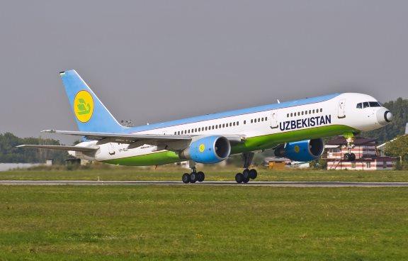 Самолет Boeing 757-200 авиакомпании Узбекистон Хаво Йуллари